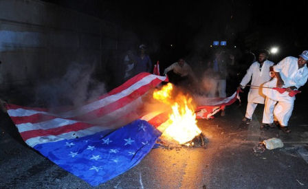 muz-burn-flag-the-us
