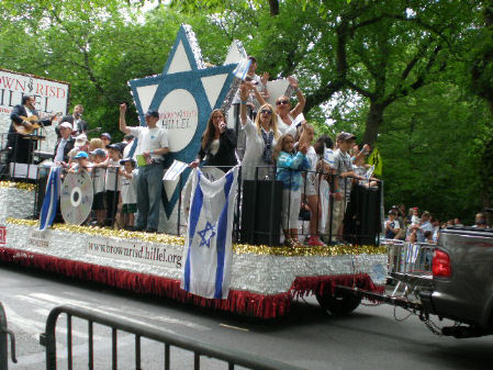 is-parade2011-22