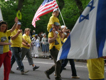 is-parade2011-3338