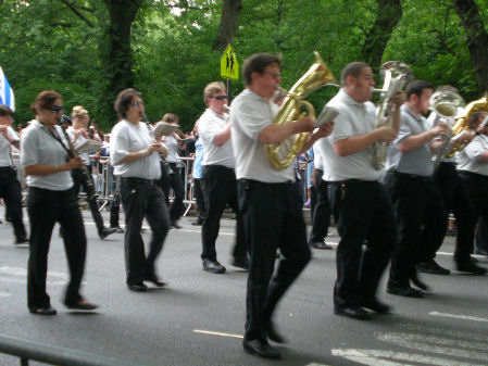 is-parade2011-4434